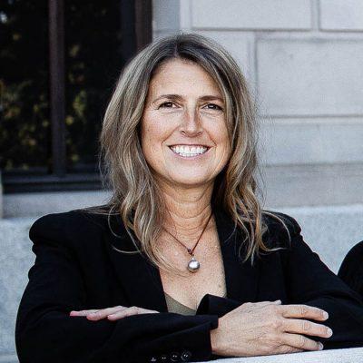 Dr. Suzanne Winans